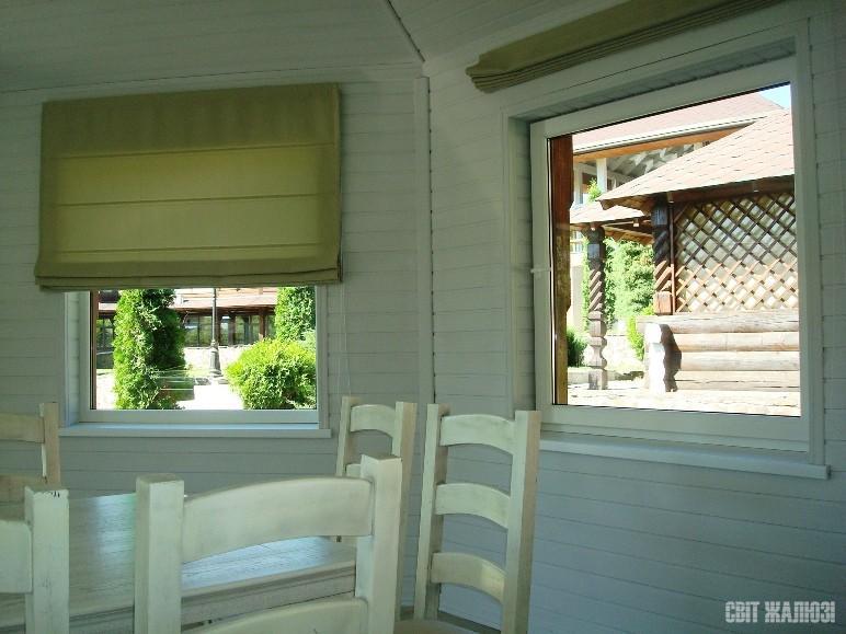 Летняя площадка комплекса отдыха. Римские шторы. Декор интерьера, защита от солнца, посторонних глаз.