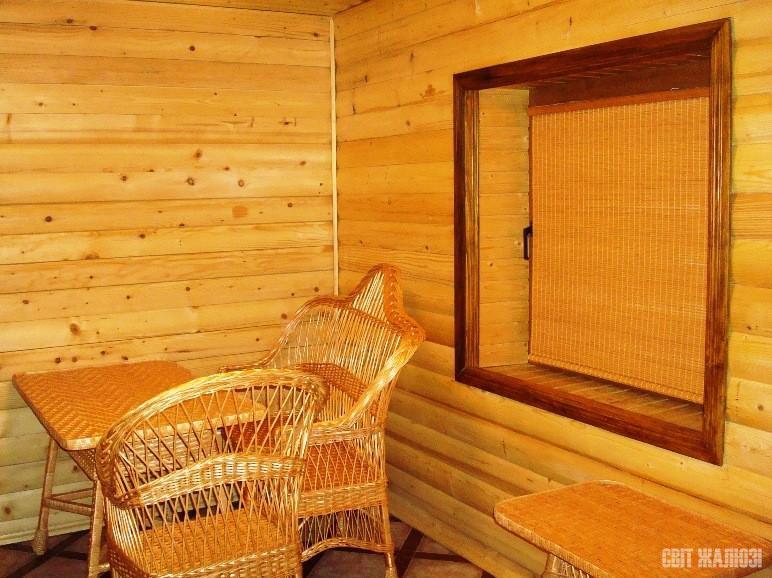 Бамбуковые шторы рулонного типа.